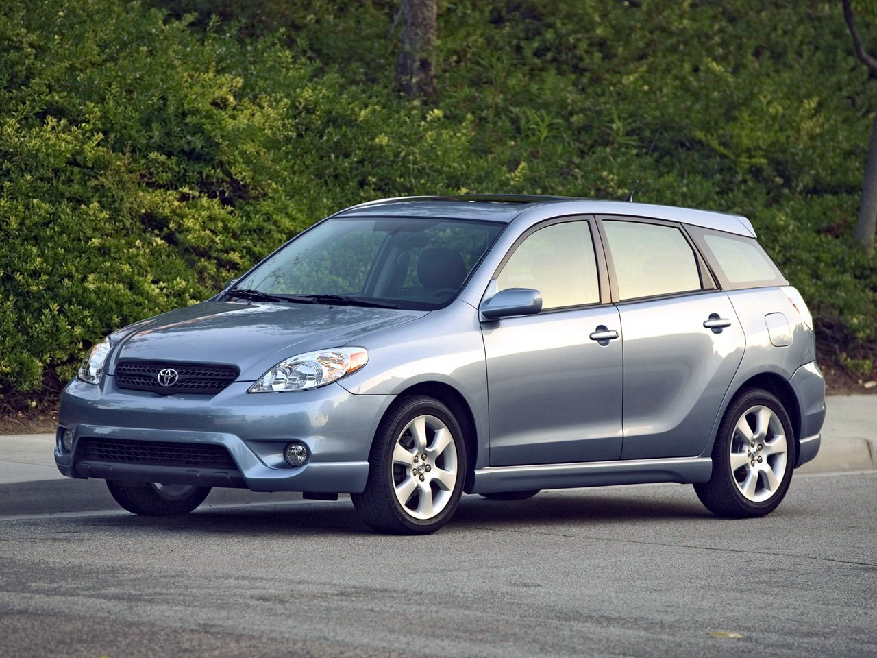 Автомобиль Toyota Matrix