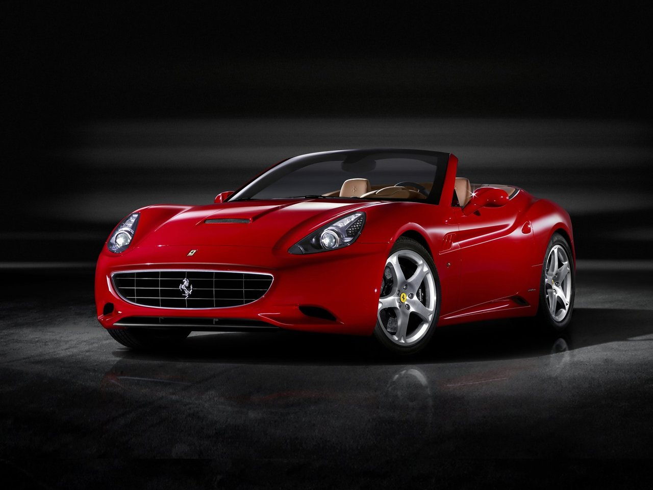 Автомобиль Ferrari California