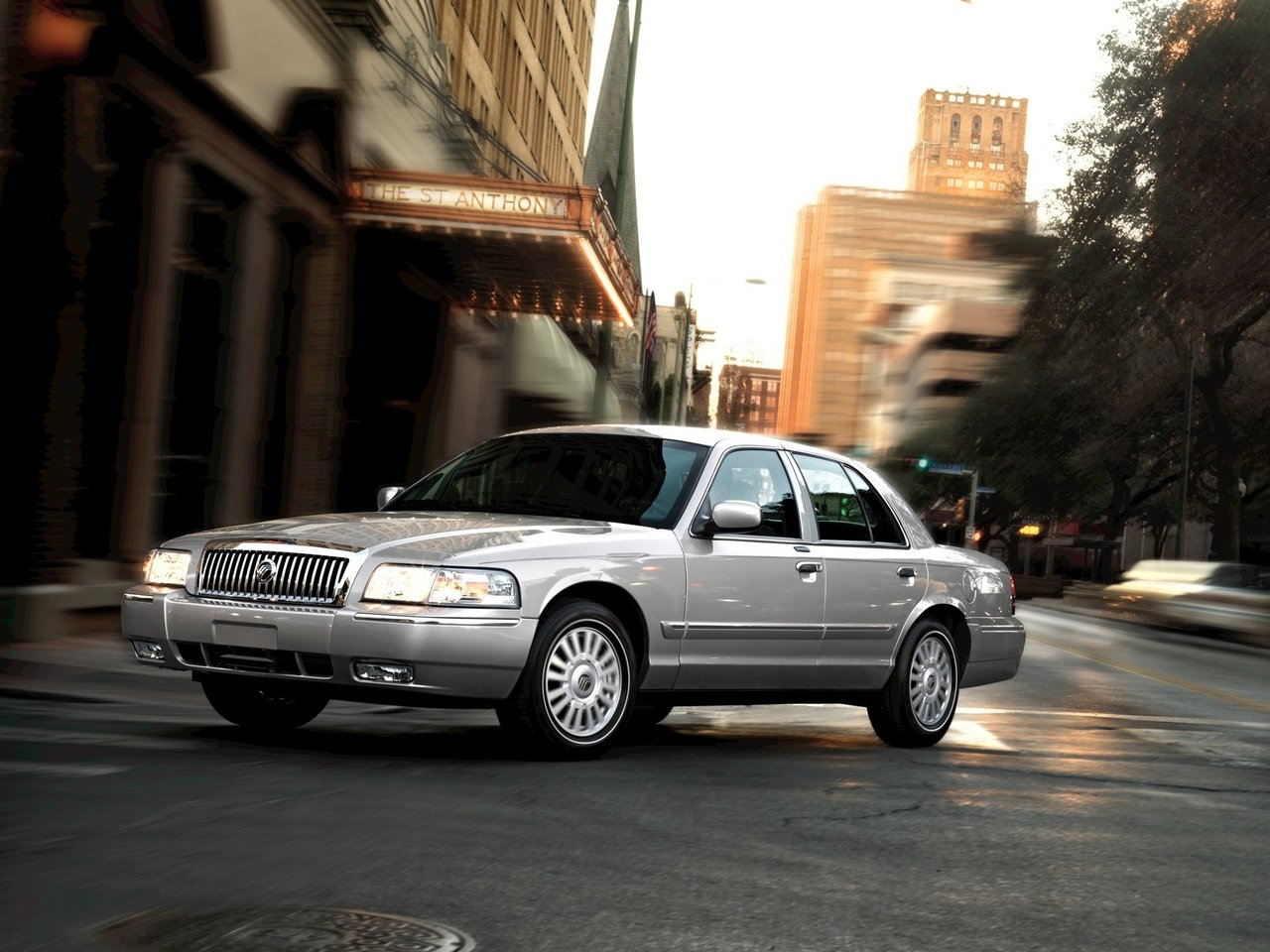 Автомобиль Mercury Grand Marquis