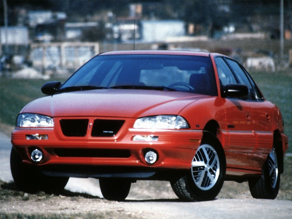 Автомобиль Pontiac Grand AM