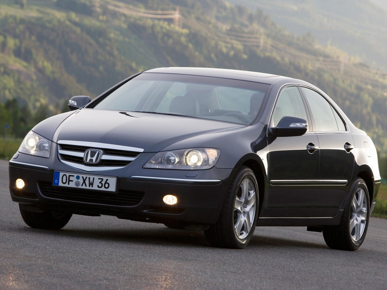 Автомобиль Honda Legend