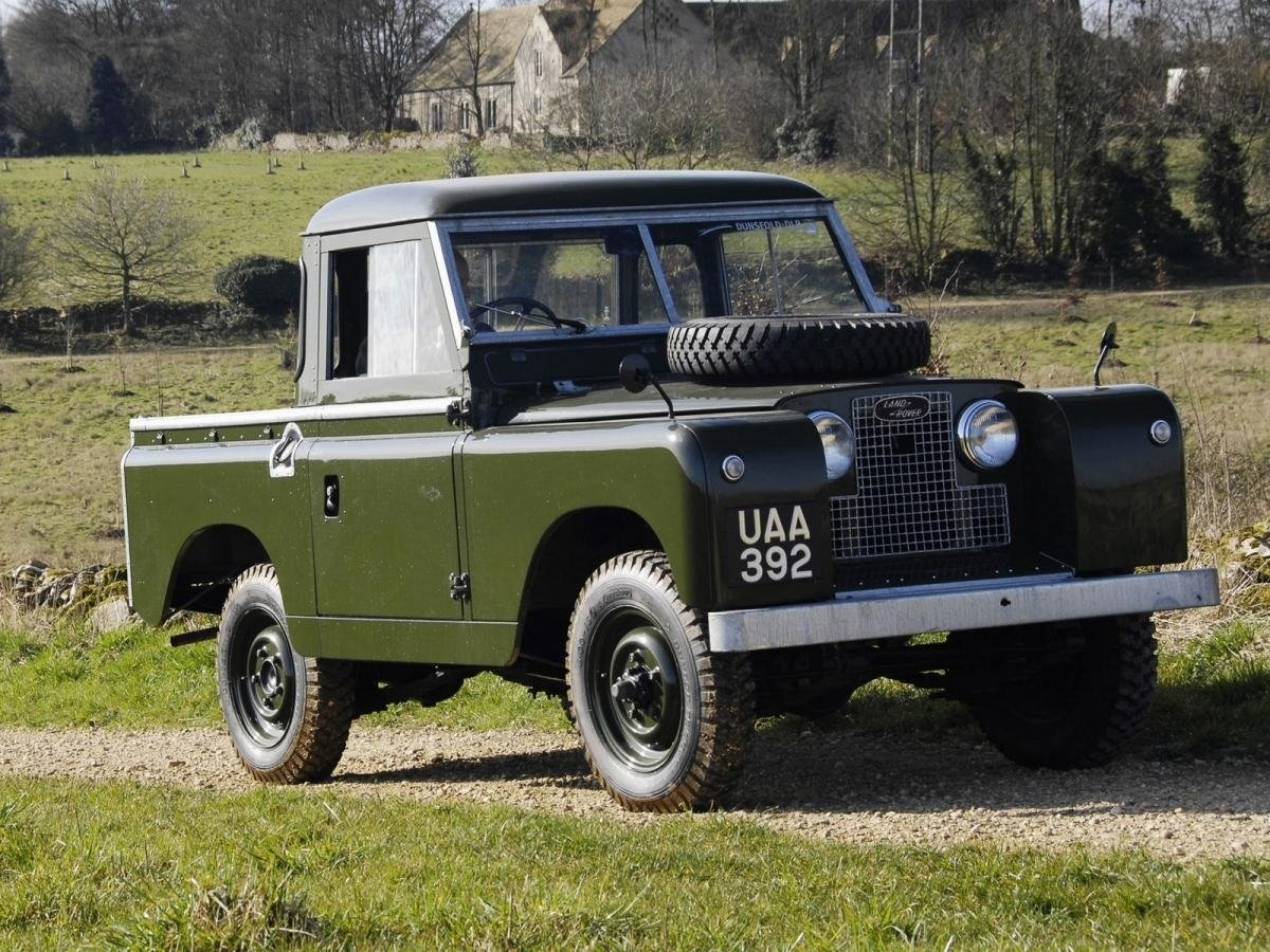 Автомобиль Land Rover Series II