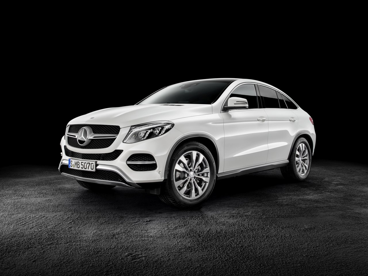 Автомобиль Mercedes-Benz GLE Coupe