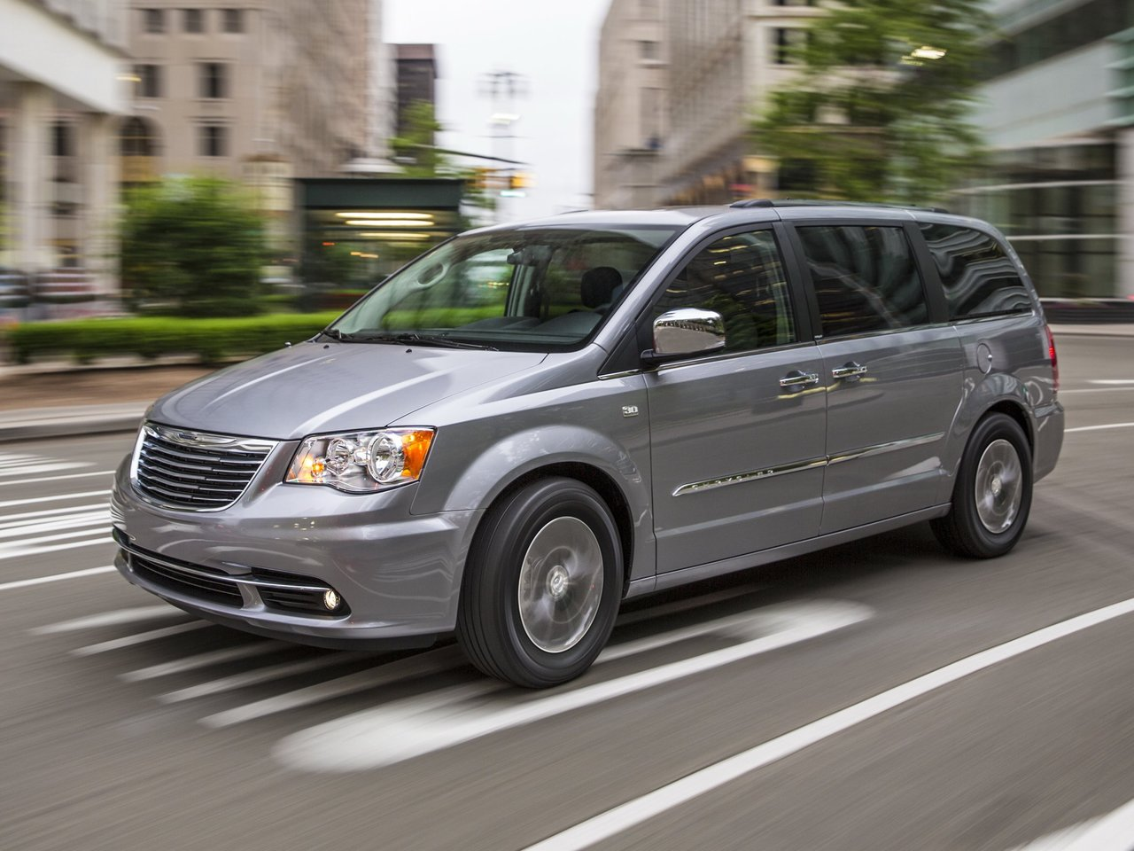 Автомобиль Chrysler Town & Country