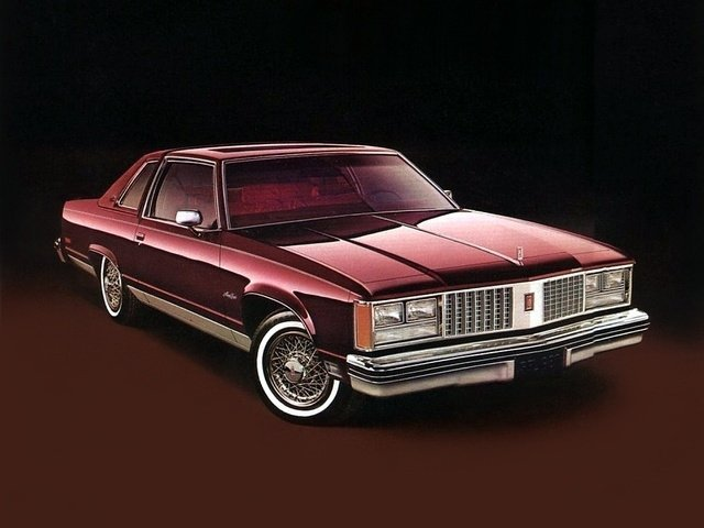 Автомобиль Oldsmobile Ninety-Eight